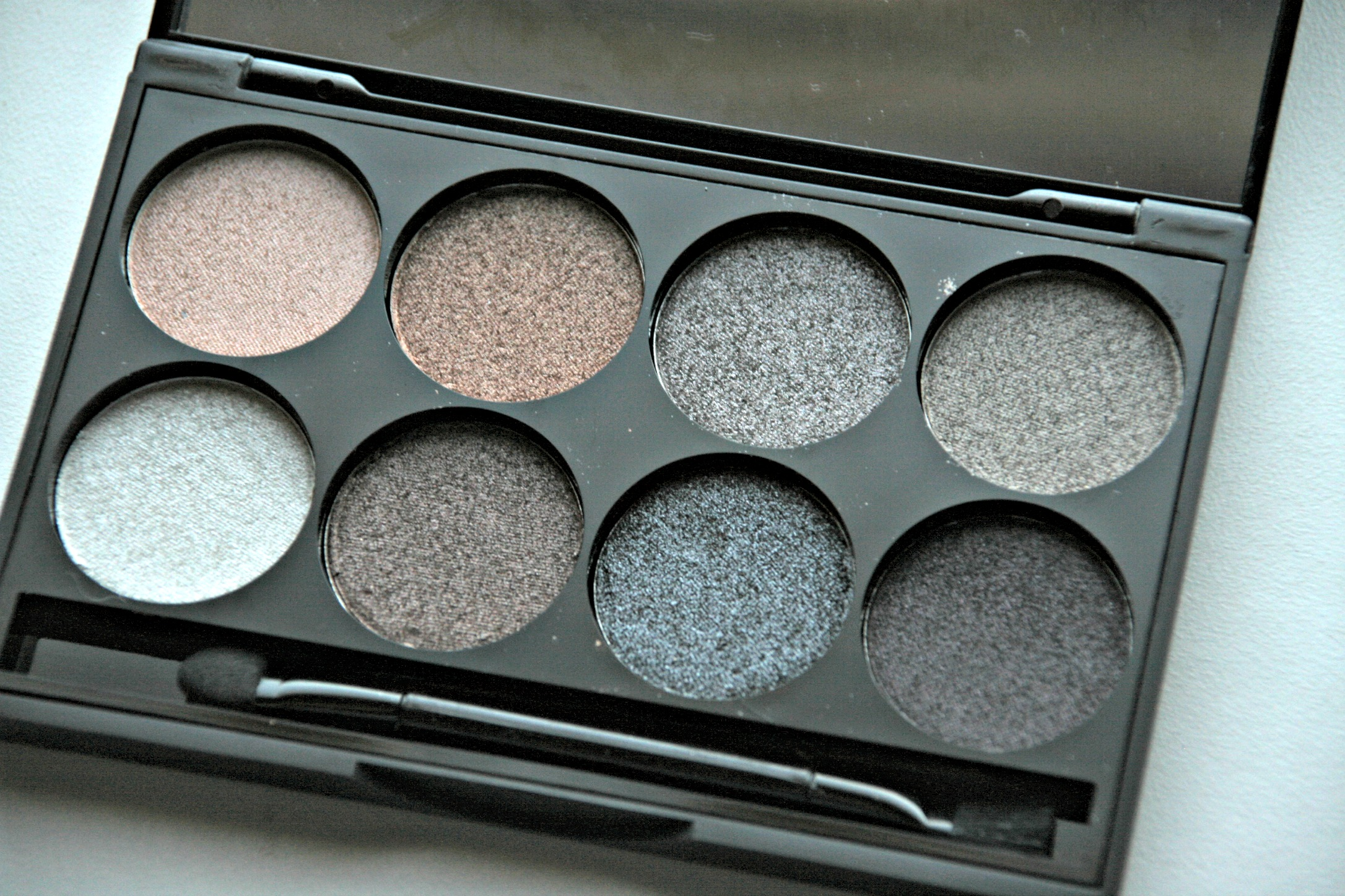 Review Primark metallic eye shadow